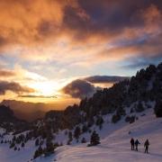Randonneurs au coucher du soleil, réserve des Hauts-Plateaux