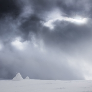 Cairns figés dans l'hiver